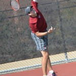 Men's tennis defeats two local rivals