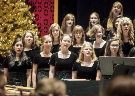 Students sing during last year's Christmas Concert. The Trinity University Choir traditionally sings at the annual christmas concert, which will be hosted today at 7:30pm in Laurie Auditorium. Photo by Anh-Viet Dinh.